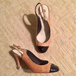 NWOT CHANEL Cap Toe 39.5 Heels